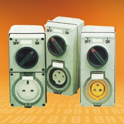 COMBINATION SWITCHED SOCKETS